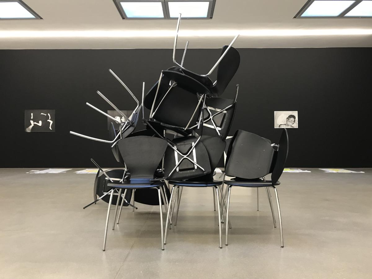 Workshop-Energizer Kreatives Stühle-Rücken mit Skulptur